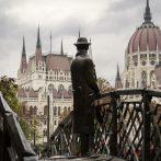 Fotók az 1956-os forradalom budapesti emlékhelyeiről