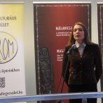 """""""Nem könnyű a helyzet Kárpátalján"""" – interjú Molnár D. Erzsébettel"""