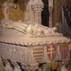 """""""Kinek teste a fehérvári egyházban temettetett"""" – Viták a székesfehérvári királysír azonosításáról"""