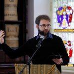 """Út a kényszermigrációtól az érintettek """"lelki gyógyulásáig"""" – interjú Ritter Györggyel"""
