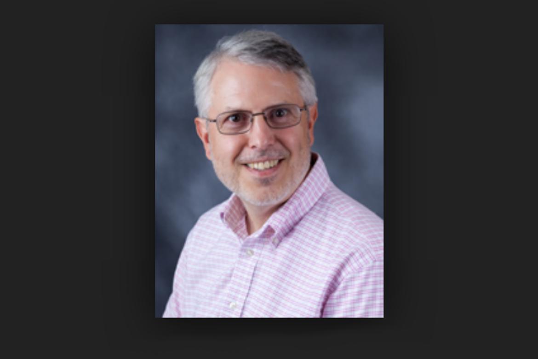 """""""A történelmi háttér ismerete minden mai problémánk megértésének kulcsa"""" – interjú John L. Rury oktatástörténésszel"""