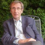 """""""Nincs külön amerikai, nyugat- és kelet-európai tudomány"""" – interjú Pók Attilával"""