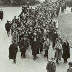 1919 forró tavasza a pesti Múzeumkertben