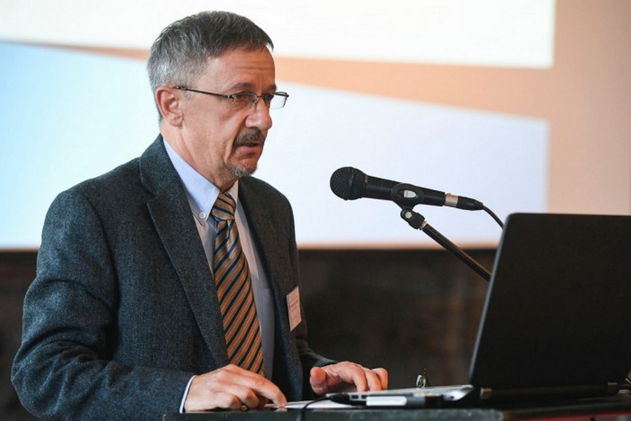 Vörös és fehér: régiótörténeti együttműködés és konferencia az Eszterházy Károly Egyetemen
