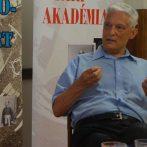 Pázmány-kutatás a Kádár-korszakban – interjú Bitskey Istvánnal