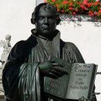 """""""Isten igéjének hallgatása mindenkinek jogában áll"""" – Luther Márton élete és emlékezete"""