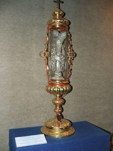 Szent Gellért ereklyeként őrzött combcsontja. Forrás: Wikipedia