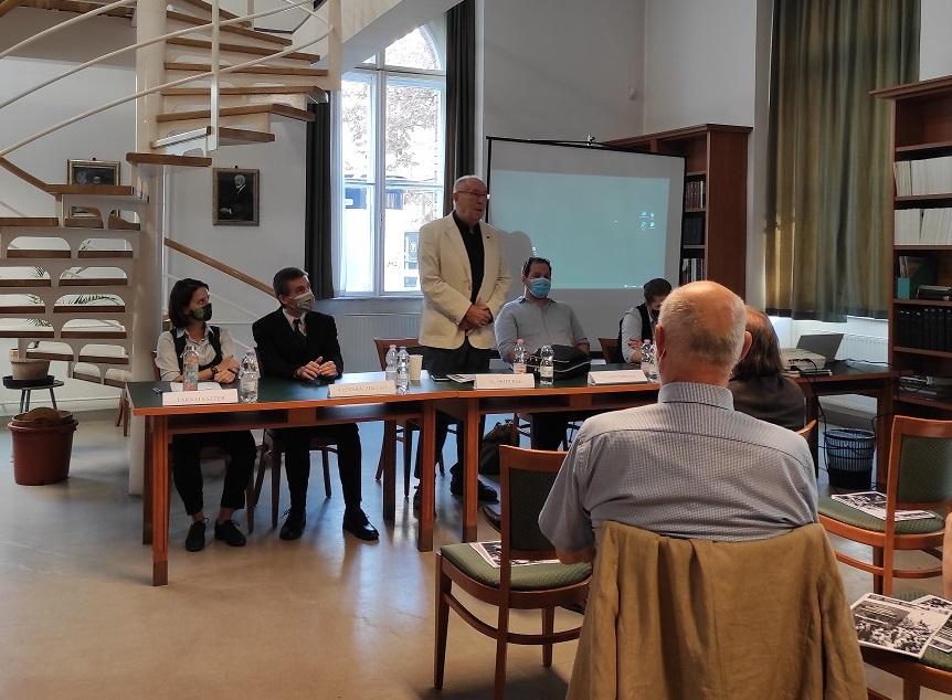 A Modernkori Magyarország konferencia első szekciójának előadói és Pritz Pál szekcióelnök